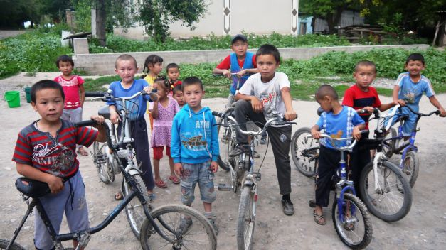 The bicycle is king for village children