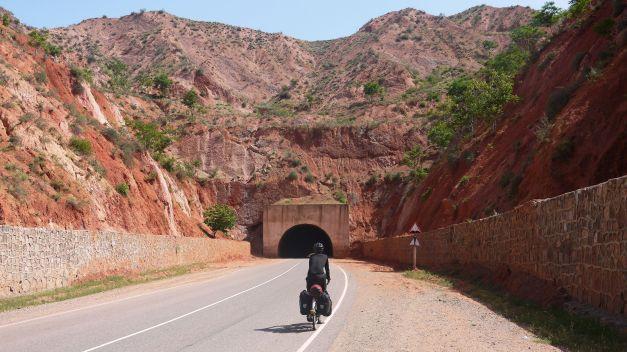 Always a thrill to dash through a dark tunnel...